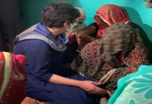 priyanka gandhi meets victims mother hugs her